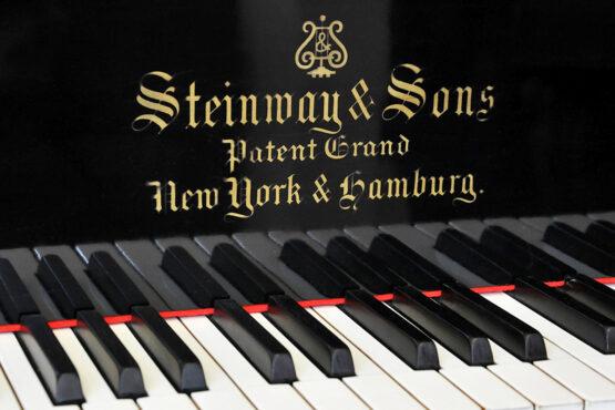 klavír Steinway and Sons